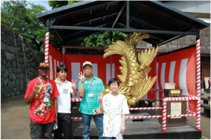 With my host brother Daichi, posing in front of the golden fish that you pass on entry to Nagoya Castle.