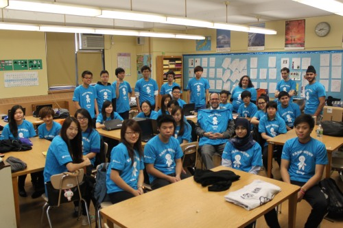 East-West students learning computer science with TEALS
