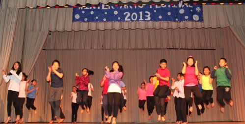 Middle School Class 602 Japanese Synchronized Marching - Chinese Line Dance