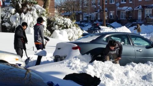 Digging car out Hai Lin, Jason Shi, and Sen Xu